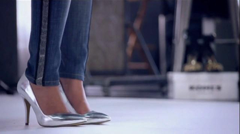 Kohl's TV Spot, 'The Voice Styling Sessions: Metallics' Feat. Paula DeAnda - Thumbnail 4