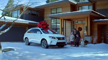 2015 Lexus RX 350 December to Remember Sales Event TV Spot, 'Teleporter' - Thumbnail 7