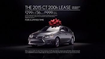 Lexus December to Remember Sales Event TV Spot, 'Christmas Train' - Thumbnail 9