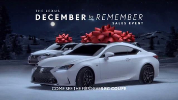 Lexus December to Remember Sales Event TV Spot, 'Christmas Train' - Thumbnail 8
