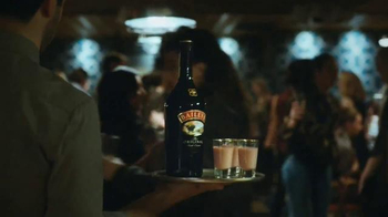 Baileys Irish Cream TV Spot, 'A Night Out' Song by The Go-Go's - Thumbnail 9