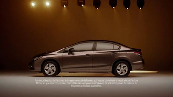 2015 Honda Civic TV Spot, 'Bad Gifters: Civic' [Spanish] - Thumbnail 8
