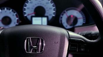 2015 Honda Pilot 2WD LX TV Spot, 'Bad Gifters: Pilot' [Spanish] - Thumbnail 7
