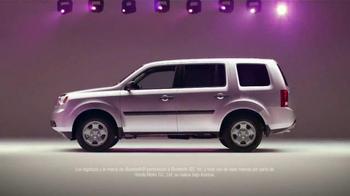 2015 Honda Pilot 2WD LX TV Spot, 'Bad Gifters: Pilot' [Spanish] - Thumbnail 8
