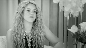 T-Mobile TV Spot, 'Las Distancias Se Acortan' Con Shakira [Spanish] - Thumbnail 6