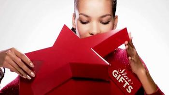 Macy's Star Gift TV Spot, 'Oh So Chic' - Thumbnail 1