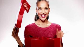 Macy's Star Gift TV Spot, 'Oh So Chic' - Thumbnail 9