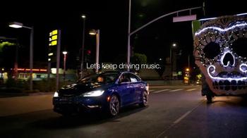 Chrysler 200 TV Spot, 'L.A. Love' Featuring Fergie - Thumbnail 10