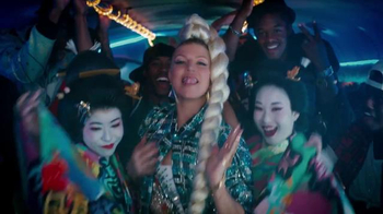 Chrysler 200 TV Spot, 'L.A. Love' Featuring Fergie - Thumbnail 3
