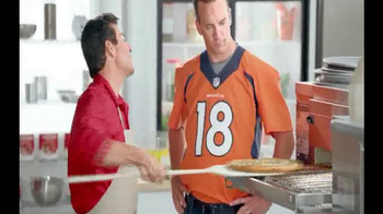 Papa John's Philly Cheesesteak Pizza TV Spot, 'Trust Your Gut' - Thumbnail 4