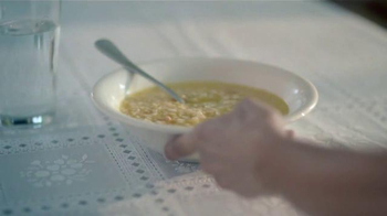 AARP Services, Inc. TV Spot, 'Caregiver Assistance: Spoon' [Spanish] - Thumbnail 4