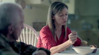 AARP Services, Inc. TV Spot, 'Caregiver Assistance: Spoon' [Spanish] - Thumbnail 7