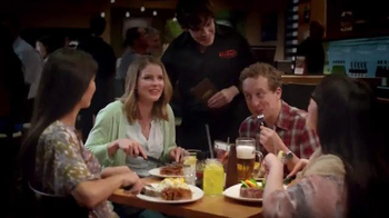 Outback Steakhouse Sirloin Portabella TV Spot, 'Estas Fiestas' [Spanish] - Thumbnail 1