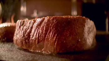 Outback Steakhouse Sirloin Portabella TV Spot, 'Estas Fiestas' [Spanish] - Thumbnail 2