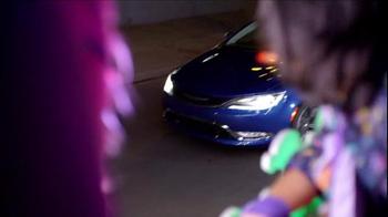 Chrysler TV Spot, 'Driving Music: Interscope Recording Artists' - Thumbnail 3