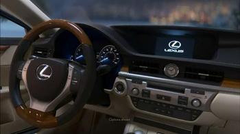Lexus December to Remember Sales Event TV Spot, 'Magic Box' - Thumbnail 3