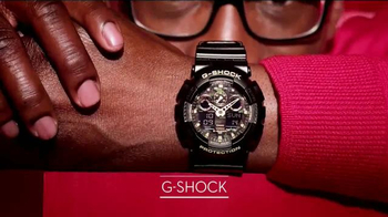 Macy's Star Gift TV Spot, 'Be Fashionably on Time' - Thumbnail 7