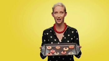 Betty Crocker Sugar Cookie Mix TV Spot, 'It's Cookie Time' - Thumbnail 5