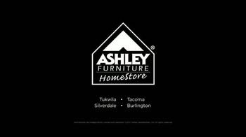 Ashley Furniture Homestore TV Spot, 'Multitudes de Viernes Negro' [Spanish] - Thumbnail 6