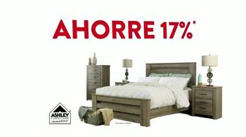 Ashley Furniture Homestore TV Spot, 'Multitudes de Viernes Negro' [Spanish] - Thumbnail 4