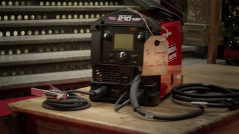 Lincoln Electric TV Spot, 'Start Welding This Holiday Season' - Thumbnail 5