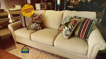 Ashley Furniture Homestore TV Spot, 'Home Ready for the Holiday' - Thumbnail 3