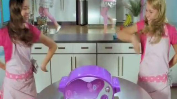 Easy-Bake Ultimate Oven TV Spot, 'Bake With the Big Kids' - Thumbnail 1