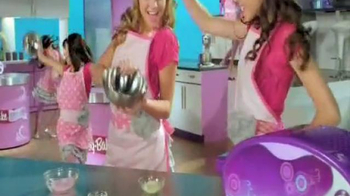 Easy-Bake Ultimate Oven TV Spot, 'Bake With the Big Kids'