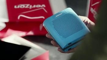 Verizon Moto X TV Spot, 'Keep the Holidays Going' - Thumbnail 3