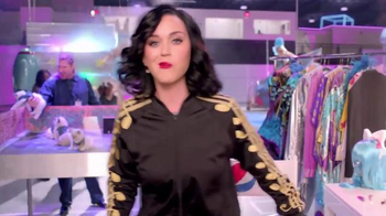Pepsi TV Spot, 'Hyped for Halftime: Katy Perry's Super Bowl Halftime Show' - Thumbnail 8