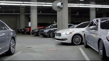2015 Kia K900 TV Spot, 'Parking Spot' Featuring LeBron James - Thumbnail 4