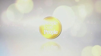 People Magazine TV Spot, 'Sexiest Man Alive' Song by Bruno Mars - Thumbnail 10
