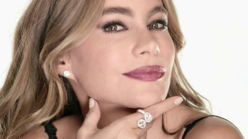 CoverGirl UltraSmooth TV Spot, 'Smooth is the new Sexy' Ft. Sofia Vergara - Thumbnail 7