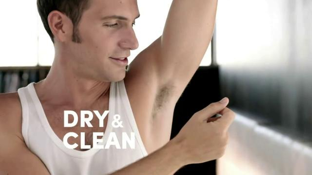 Degree Men Dry Spray TV Commercial, 'In a Snap'