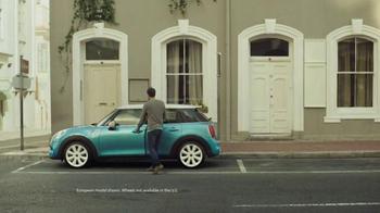 2015 MINI USA Hardtop Four-Door TV Spot, 'Four Door Surprise' - Thumbnail 7