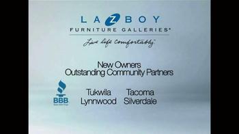 La-Z-Boy New Year's Sale TV Spot, 'Savings' - Thumbnail 10
