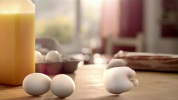 Pillsbury Grands! Flaky Layers TV Spot, 'Eggs & Biscuits' - Thumbnail 3