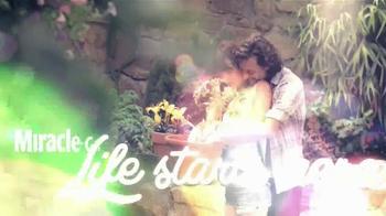 Miracle-Gro TV Spot, 'Garden of Life' - Thumbnail 10