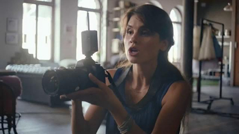 Secret Outlast Clear Gel TV Spot, 'How a Photographer Outlasts Her Day' - Thumbnail 5
