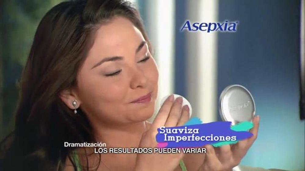 Asepxia Natural Matte Compact Powder TV Commercial, 'Dormir maquillada'