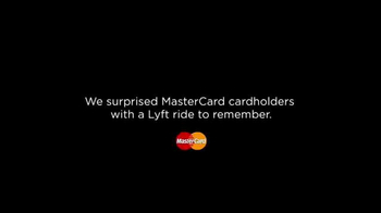 Mastercard TV Spot, 'Priceless Surprises: A Festive Ride With Lyft' - Thumbnail 2
