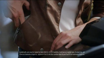 Capital One Wallet and Apple Pay TV Spot, 'Worn Jeans' Song by Ezra Vine - Thumbnail 5