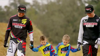 Discount Tire TV Spot, 'TwoTwo Motorsports: 2015 Supercross Season' - Thumbnail 8