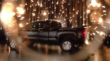 GMC Holiday Event TV Spot, 'It's the Thought That Counts' - Thumbnail 2