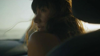 2015 Subaru XV Crosstrek TV Spot, 'Fountain' Song by Joshua Radin - Thumbnail 3