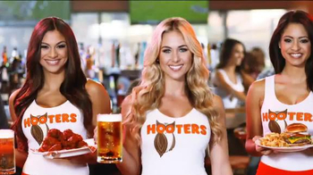 Hooters TV Spot, 'The Greatest Month of Football Ever' - Thumbnail 5