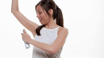 Dove Dry Spray Antiperspirant TV Spot, 'Shake, Spray and It's Dry!' - Thumbnail 4