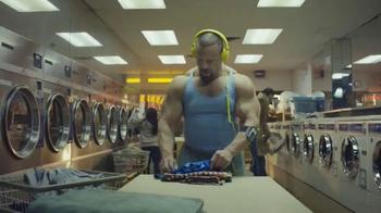 Oxygen Now App TV Spot, 'Laundromat' - Thumbnail 2