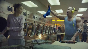 Oxygen Now App TV Spot, 'Laundromat'