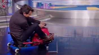 Walmart TV Spot, 'Alegra su Navidad' Con Eugenio Derbez [Spanish] - Thumbnail 4